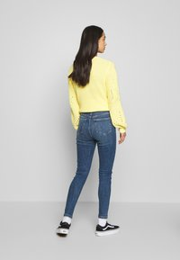 New Look - CLEAN DISCO BRANNING - Jeans Skinny - mid blue - 2