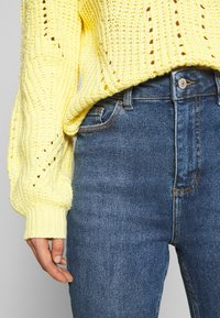 New Look - CLEAN DISCO BRANNING - Jeans Skinny - mid blue - 5