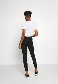 New Look - SUPERSOFT - Jeans Skinny Fit - black - 2
