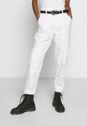 KATE GROWN ON WAIST - Relaxed fit jeans - offwhite