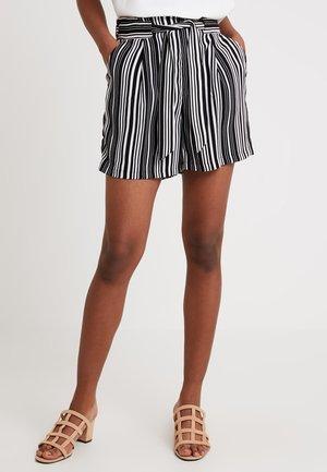 STRIPE EMERALD - Shorts - black