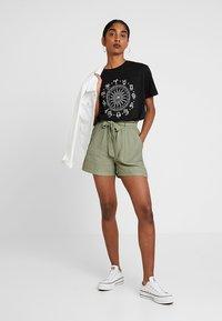New Look - JANE PAPERBAG  - Shorts - dark khaki - 1