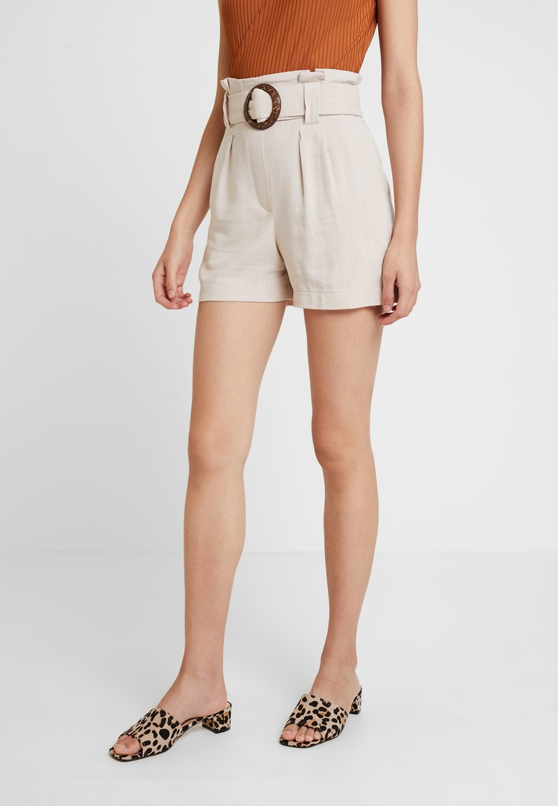 New Look - BERMUDA BUCKLE - Shorts - stone