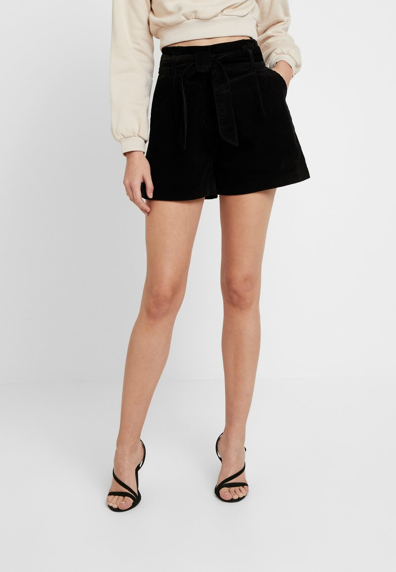 New Look - PAPERBAG - Shorts - black