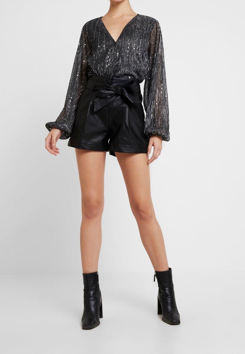 New Look - BAG SHORT - Shorts - black