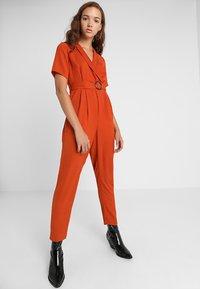 New Look - BONE REVERE COLLAR WRAP  - Haalari - burnt orange - 1