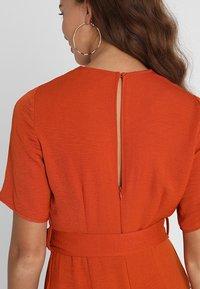 New Look - BONE REVERE COLLAR WRAP  - Haalari - burnt orange - 5