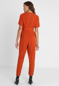 New Look - BONE REVERE COLLAR WRAP  - Haalari - burnt orange - 2