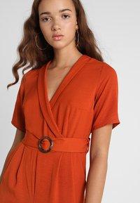 New Look - BONE REVERE COLLAR WRAP  - Haalari - burnt orange - 3
