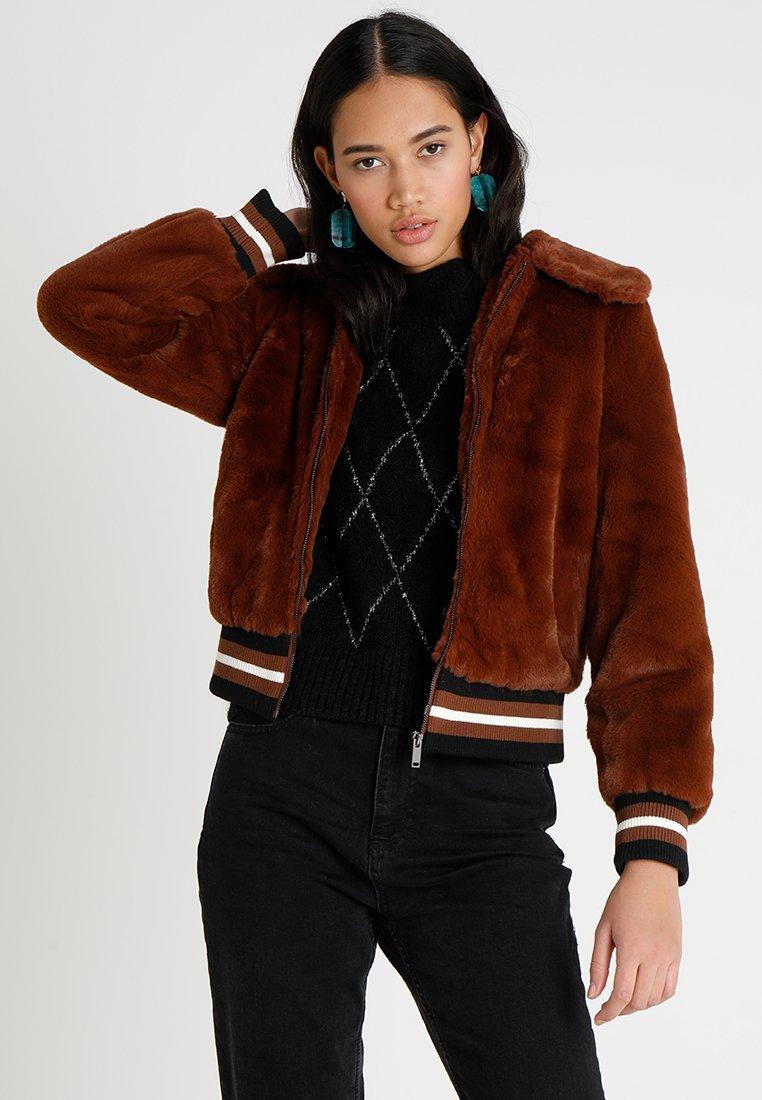New Look - SPORTS TRIM - Chaqueta de invierno - rust