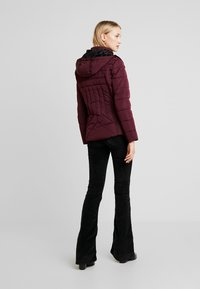 New Look - FITTED PUFFER - Lehká bunda - burgundy - 3
