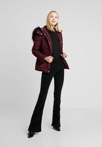 New Look - FITTED PUFFER - Lehká bunda - burgundy - 1