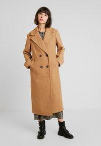 New Look - ARIANA MAXI COAT - Zimní kabát - camel - 0