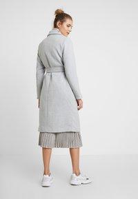 New Look - GABRIELLE BELTED COAT - Kåpe / frakk - light grey - 2