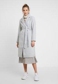 New Look - GABRIELLE BELTED COAT - Kåpe / frakk - light grey - 0