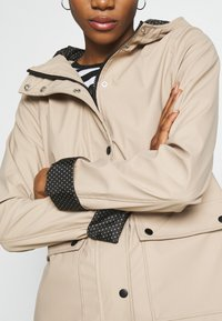 New Look - AMERIE RAIN - Impermeable - camel - 5