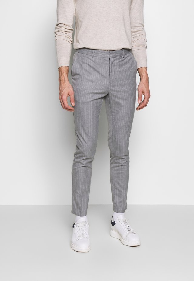 TONY PINSTRIPE SKINNY - Pantalon - light grey