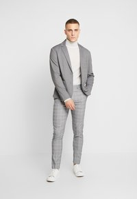 New Look - CHARLES CHECKSUIT - Pantaloni eleganti - light grey - 1