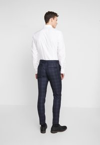 New Look - WILLIAM CHECK  - Pantaloni eleganti - navy - 2