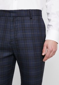 New Look - WILLIAM CHECK  - Pantaloni eleganti - navy - 4