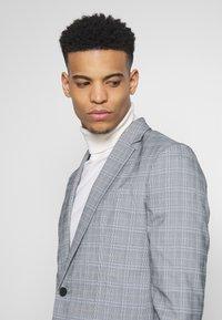 New Look - CHARLES CHECKSUIT - Sako - light grey - 3