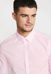New Look - POPLIN - Overhemd - light pink - 4