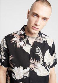 New Look - LEAFY LOUIS - Camicia - black - 3