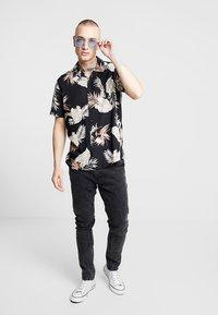 New Look - LEAFY LOUIS - Camicia - black - 1