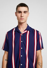 New Look - VERTICAL STRIPE - Camicia - navy - 4