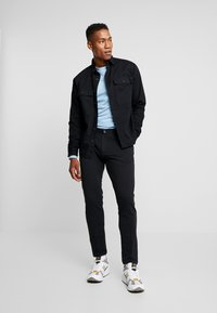 New Look - DOUBLE POCKET OVERSHIRT - Shirt - black - 1