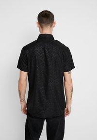 New Look - SATEEN SIMON PRINT - Shirt - black - 2