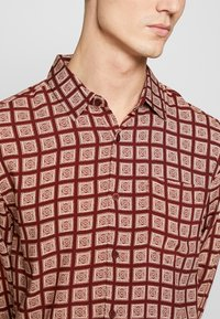 New Look - TIM TILE - Shirt - red - 4