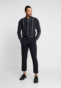 New Look - RPASO SOFIA TRIBAL STRIPE - Shirt - black - 1
