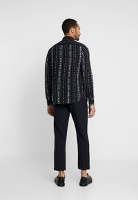 New Look - RPASO SOFIA TRIBAL STRIPE - Shirt - black - 2