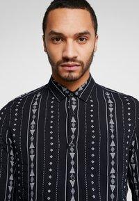New Look - RPASO SOFIA TRIBAL STRIPE - Shirt - black - 3