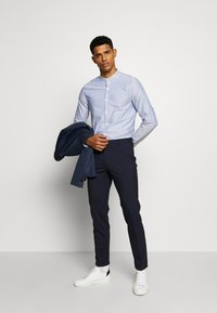 New Look - GDAD OXFORD - Shirt - light blue - 1