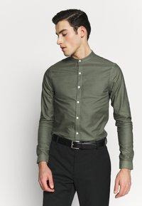 New Look - GDAD OXFORD - Overhemd - dark khaki - 0