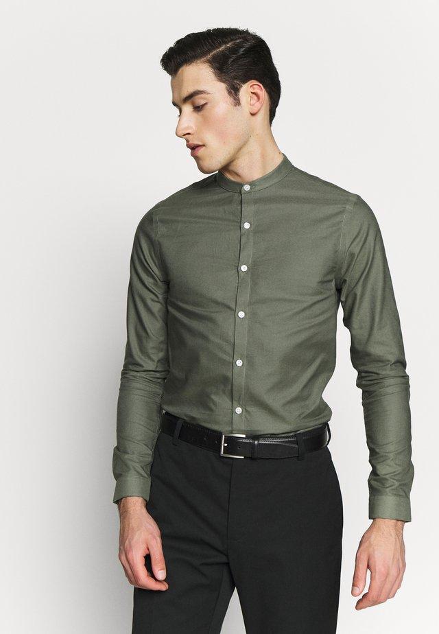 GDAD OXFORD - Overhemd - dark khaki