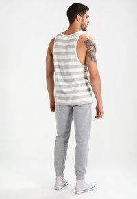 New Look - BASIC JOGGER - Pantalones deportivos - grau - 2