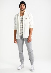 New Look - BASIC JOGGER - Pantalones deportivos - grau - 1