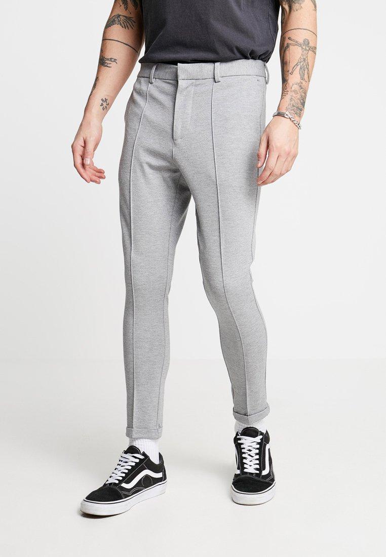 New Look - PIN TUCK CROP - Stoffhose - light grey