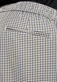 New Look - PHILIP GINGHAM PULL ON - Trousers - stone - 5
