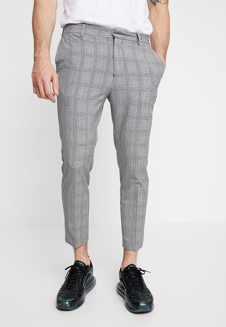 New Look - GRAPHIC CHECK CROP - Stoffhose - grey