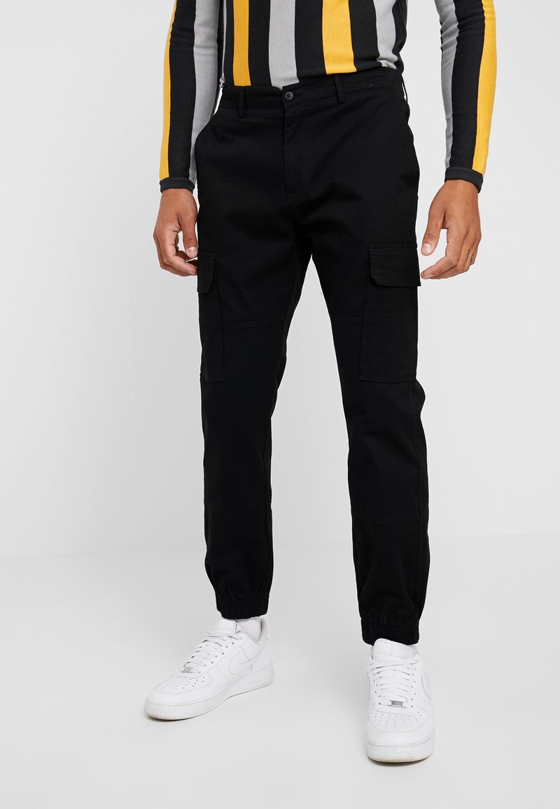 New Look - HALF ELASTIC JOGGER - Cargo trousers - black