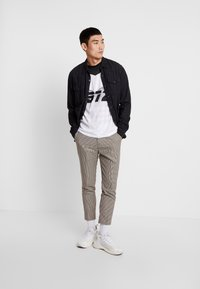 New Look - PUPPYTOOTH TROUSER - Pantalones - brown - 1