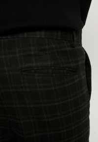 New Look - HARRISON TARTAN  - Trousers - black - 5