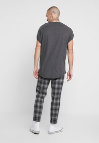 New Look - CHARLIE  - Trousers - grey - 2
