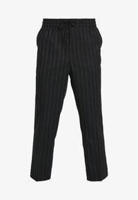 New Look - CROP FITZ  - Spodnie materiałowe - black - 4