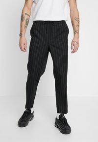 New Look - CROP FITZ  - Spodnie materiałowe - black - 0