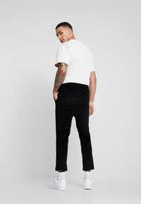 New Look - PULL ON TROUSER - Trousers - black - 2